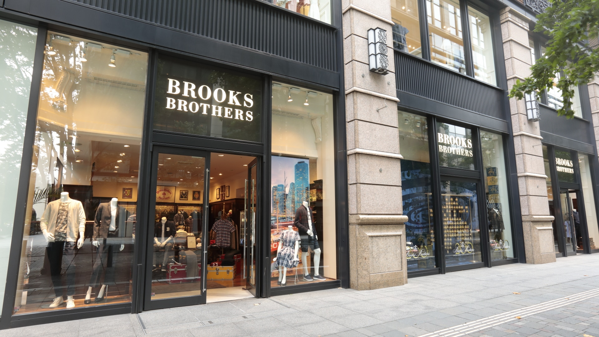 「ブルックス ブラザーズ」新型コロナウイルスの影響で国内10店舗を閉店へに関する画像