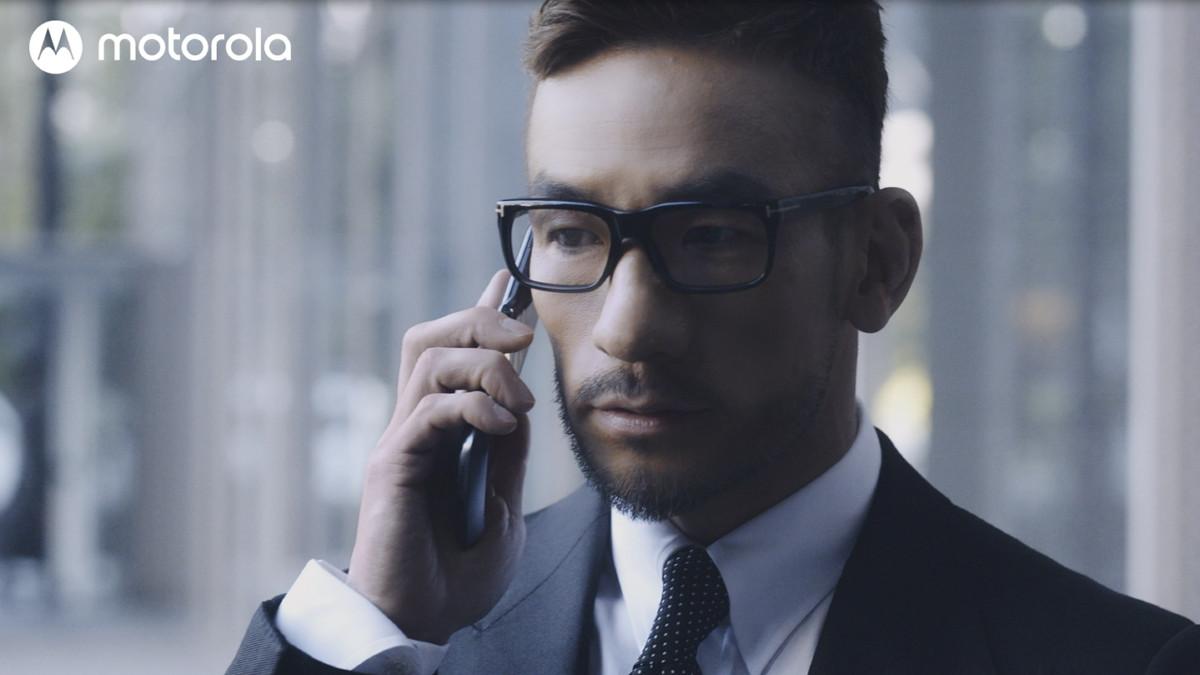 ビジネス向けスマートフォン「razr 5g」が発売!CMはなんと中田英寿?に関する画像